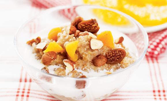 15172-Frukostgröt-med-frukt-och-nötter-tryck--Foto-AXA