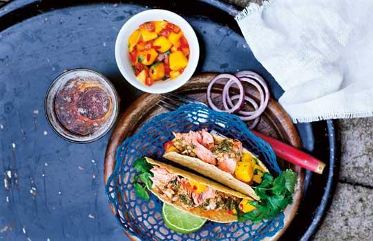 Fisherman tacos på grillad lax