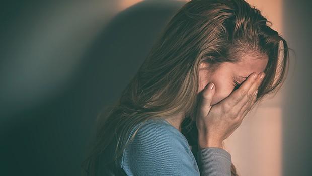 Kvinnor-har-sämre-hälsa-och-prioriteras-lägre-i-vården